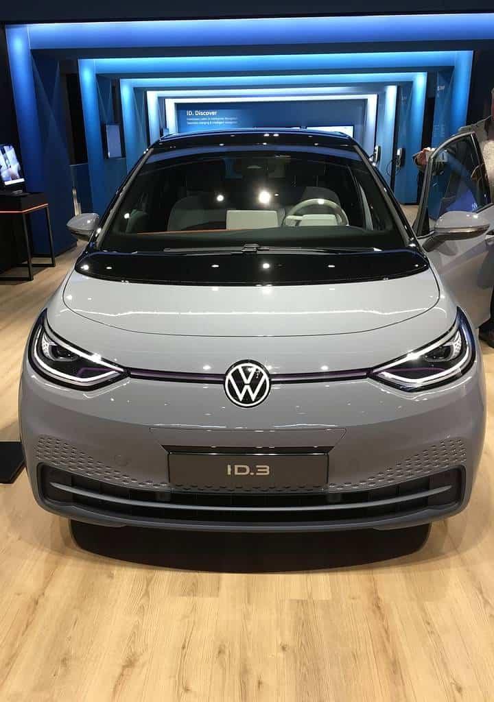 VW ID.3 in der Autostadt: 10 Dinge die Tesla vom ID.3 lernen könnte