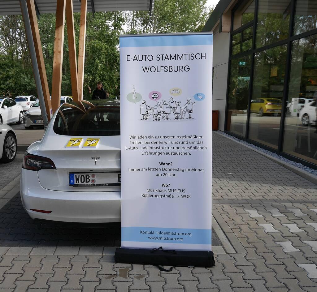 Werbung für den E-Stammtisch in Wolfsburg