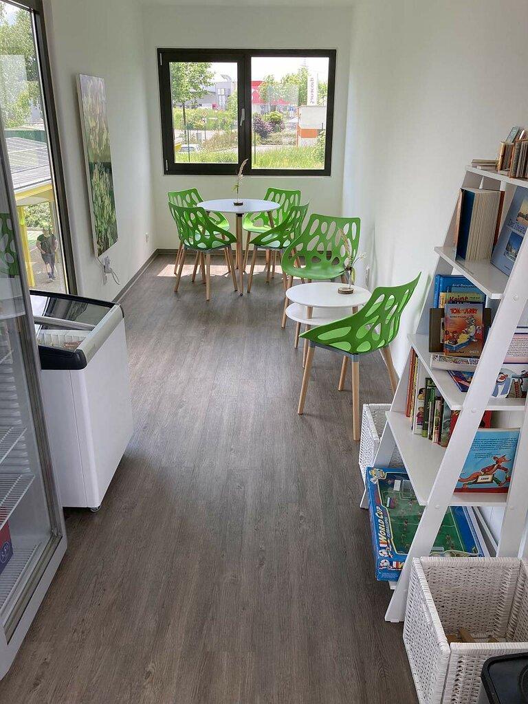 Lounge im HEOS-Ladepark